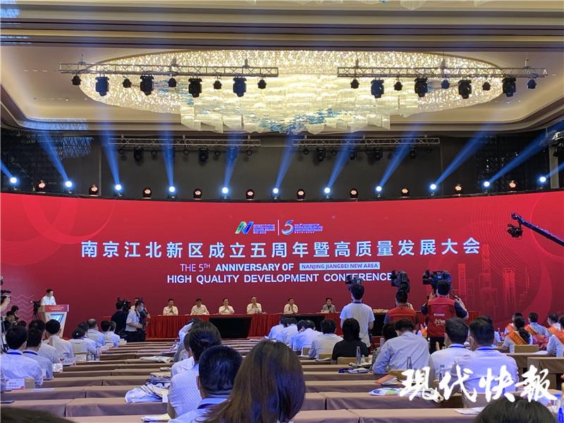 国家经济总量3000亿_2015中国年经济总量